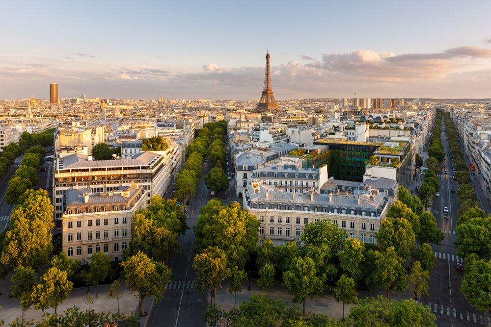 Paris Hakkında