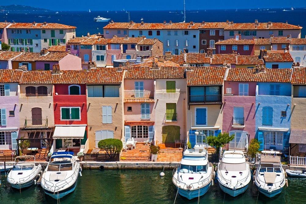 St. Tropez Hakkında