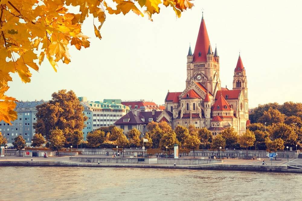 Budapeştepe - Viyana - Prag - Budapeşte Turu